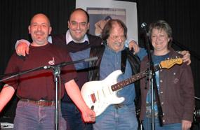 1998 gründete Roland seine Country Band namens Roland Waespi Band.