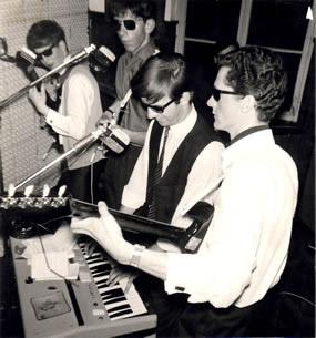 Alles begann 1965 mit der Gruppe FIREBIRDS.