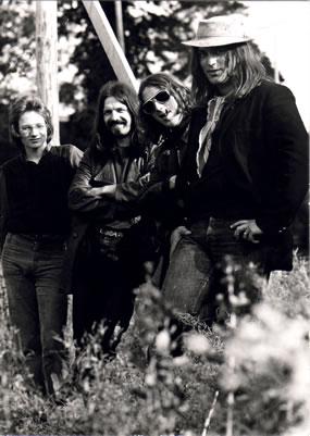 1969 Einige Rock'n Roll Formationen, wie z.b. BABYLON und ZZOPF waren weitere Stationen auf seinem musikalischen Weg.